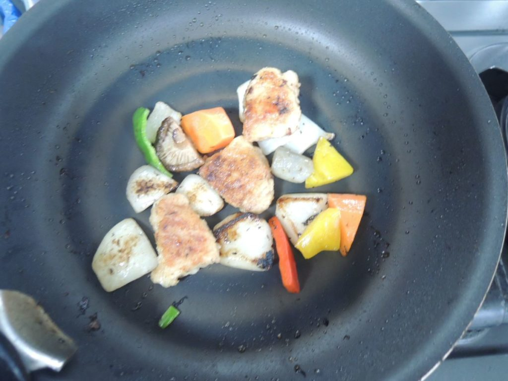 セブンミール海老とブロッコリーの旨塩炒め